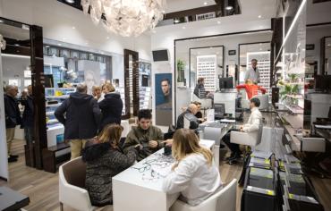 Lindberg occhiali: l'evento a Torino che trasforma ogni cliente in un designer.